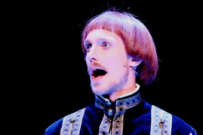 Espen Klouman Høiner as Hamlet at Trøndelag Theatre.